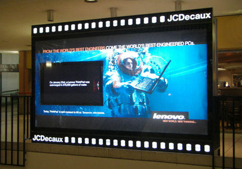 JCDecaux display / LAX